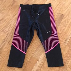NIKE DRI FIT CAPRI. Size Medium